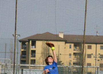 Marica prende la palla al torneo Telefono Azzurro